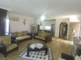 2 Bedroom Flat For Sale In a Complex With Pool Close To The Center